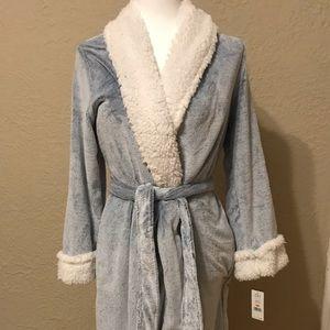 NWT Carole Hochman Blue Long Sleeve Robe